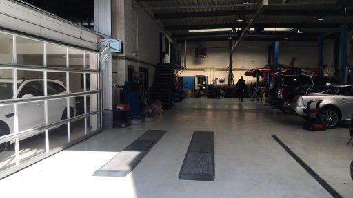 Compact Tore in der Werkstatt bei Landrover Adventure Den Bosch.