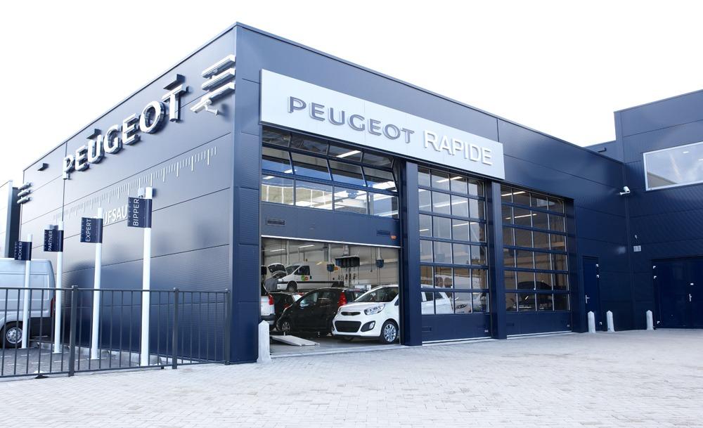 Voor het Peugeot Blue Box-concept worden Compact deuren gebruikt