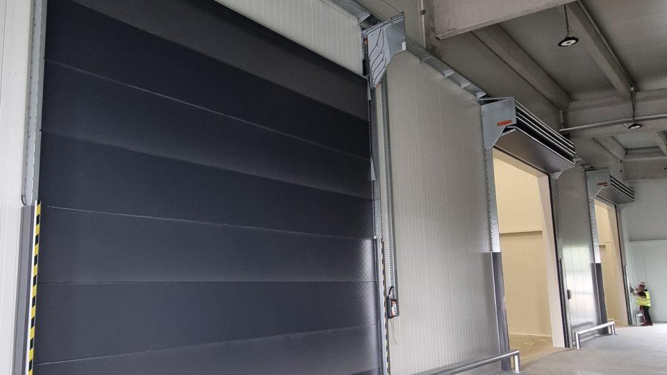 Faltbare Compact Rolltore bei Tola in Kroatien