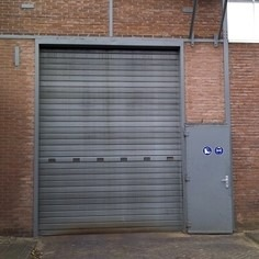 Grey roller shutter, How to choose the right door