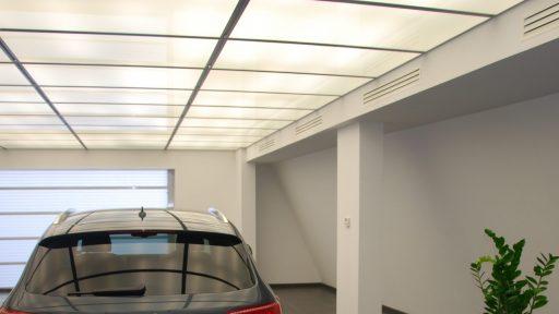No visible rails in this commercial garage door