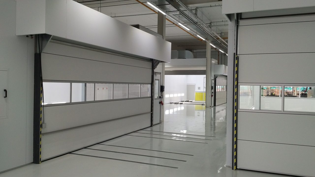 White Spray booth at Van Mossel
