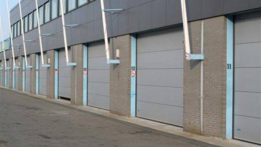 Pitboxes TT Assen avec portes empilables Compact fermées