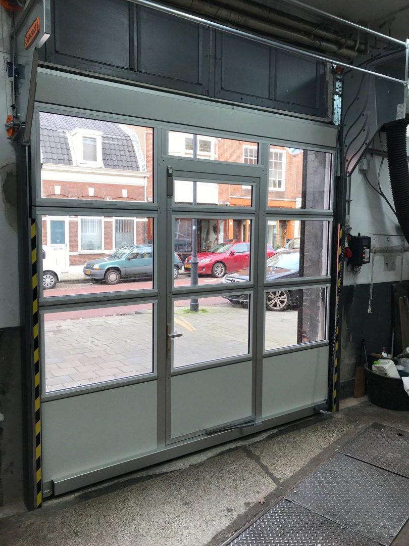 garage à Haarlem avec porte Compact