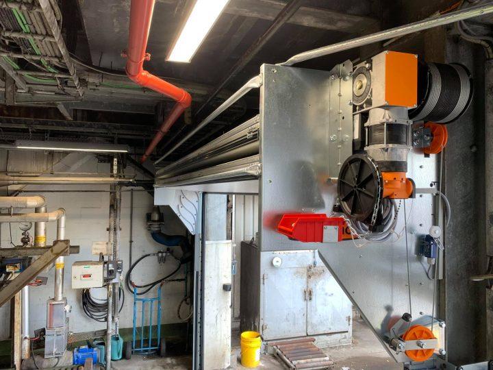 Porte Compact chez Shell Catalysts & Technologies en Belgique en blanc