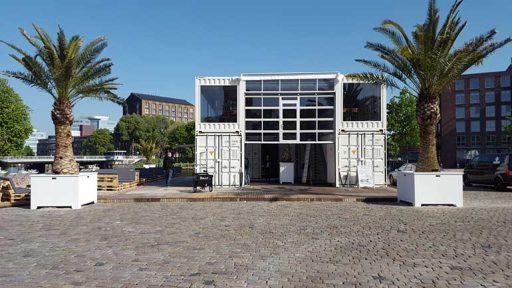 Stadtsstrand Zwolle heeft gekozen voor de Compact deur voor het restaurant