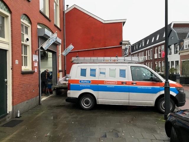Officine in Haarlem con una porta pieghevole Compact