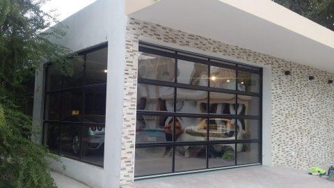 Garage di lusso con serrande avvolgibili Compact