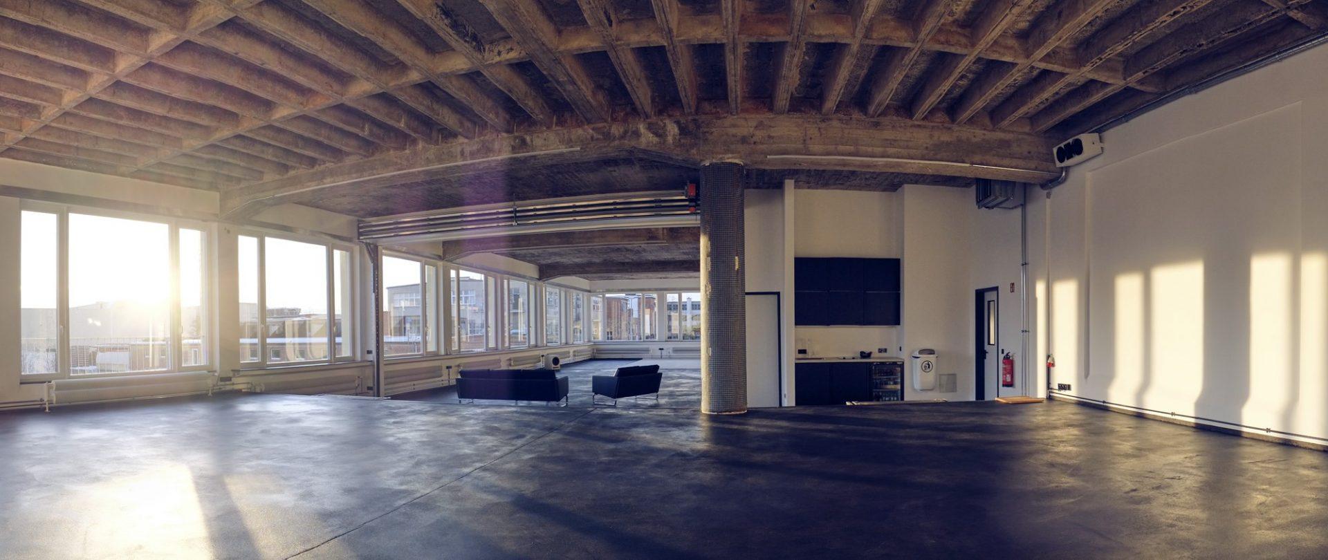 Raw studios gebruikt de Compact vouwdeur als flexibele tussenwand