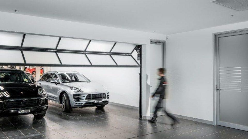Compact vouwdeur in garage