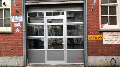 De oude roldeur en de nieuwe Compact deur