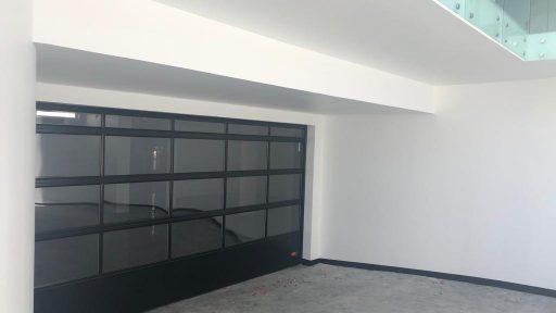 Garagedeur in midden oosten