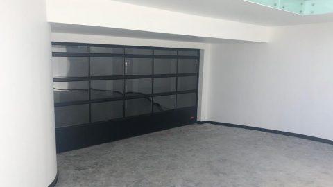 Garagedeur villa transparant