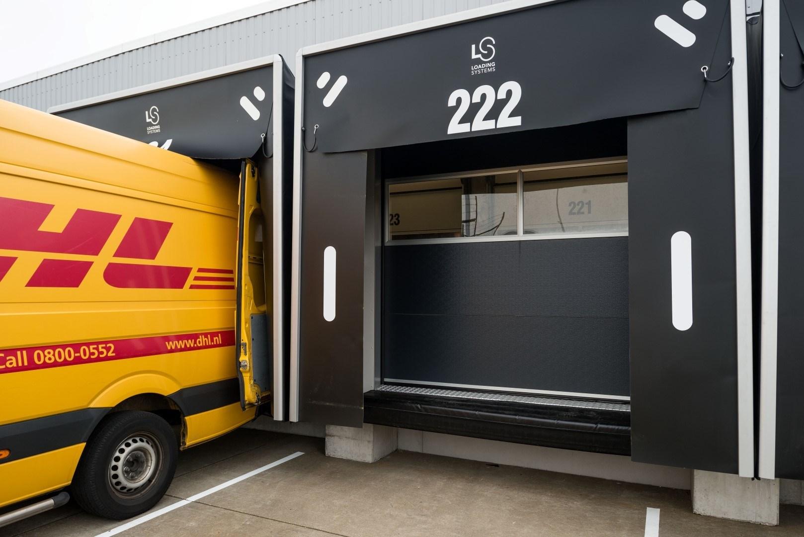 DHL lastdocka med Compact dörrar